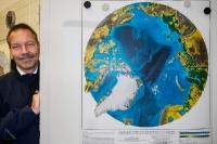 19 - Reliefkarte der Arktis mit Frank Petrikowski